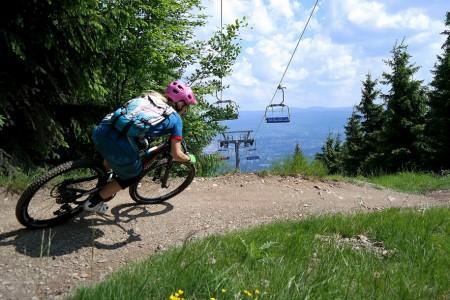 Bike SNOW tour: červnové bikování na Ještědu