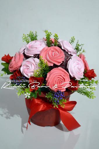 Flower Cake by Lalaine Demillo