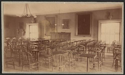 empty_classroom_c_1880