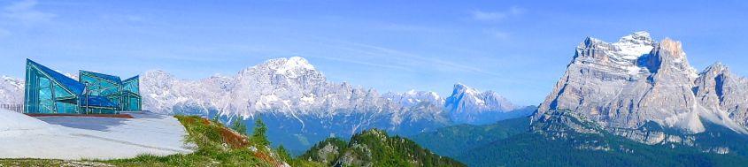 Messner Mountain Museum auf dem Monte Rite mit Civetta, Marmolada und Monte Pelmo, Dolomiten. Foto: Günther Härter.