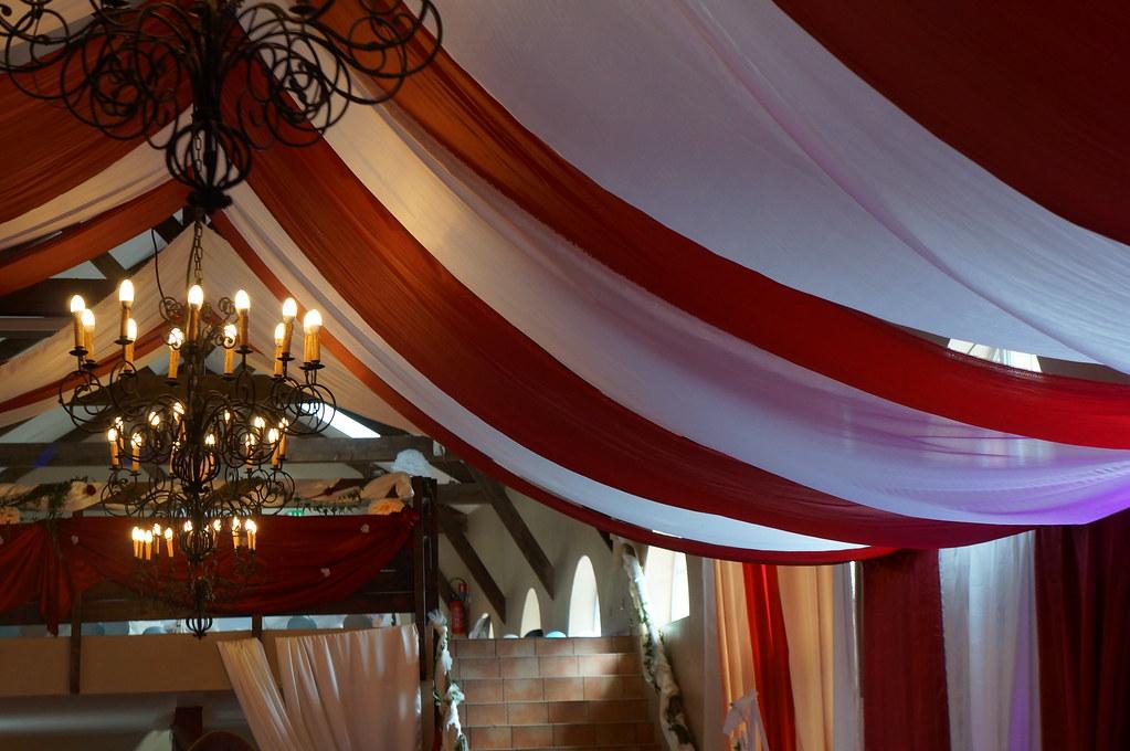 decoration tentures plafond mariage decoratrice mariage. Black Bedroom Furniture Sets. Home Design Ideas