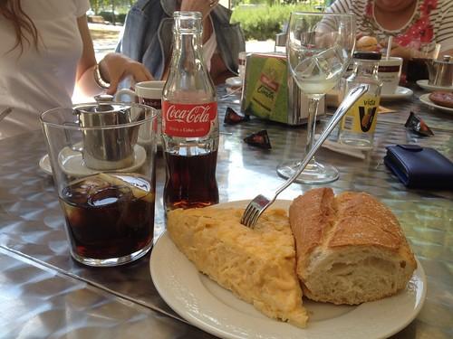 Celebra con Coca-Cola el próximo 29 de junio el día de San Bar-Tolo #Benditosbares