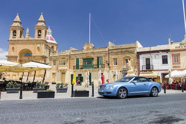Bentley in Marsaxlokk / Malta