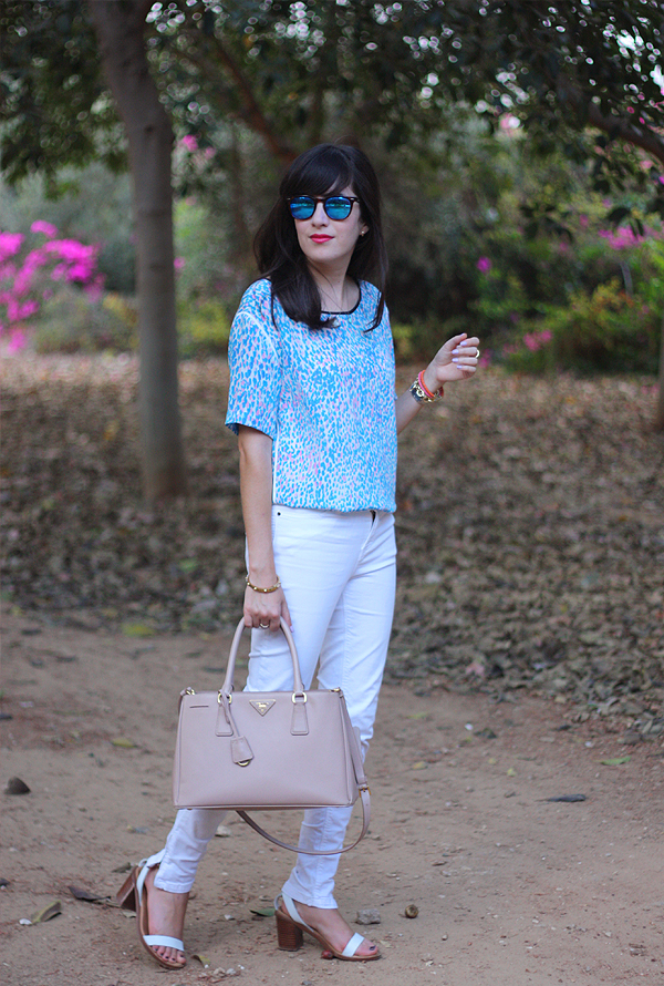 sandro top, prada bag, spektre sunglasses, תיק פראדה, בלוג אופנה
