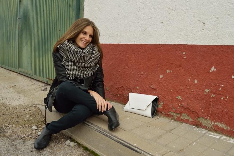 lara-vazquez-madlula-fashion-blog-streetstyle-perfecto-jacket-black-outfit