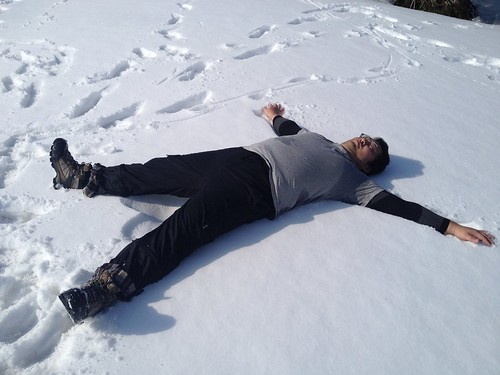 タンポ 山頂たっくん 雪ダイブ