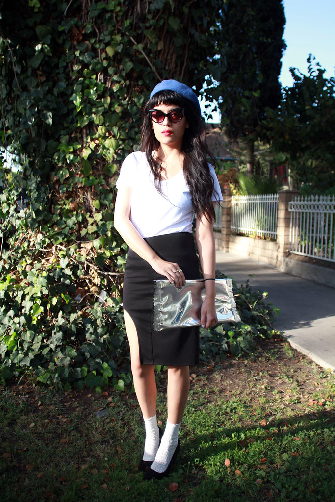 håndværk basic white tee, Can U Not Reverse Scoop Skirt, Margiela x H&M candy clutch, wool beret