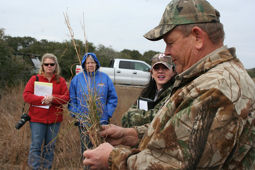 Garry Stephens, NRCS wildlife biologist, discusses plant identification and habitat evaluation at Women of the Land. NRCS photo.