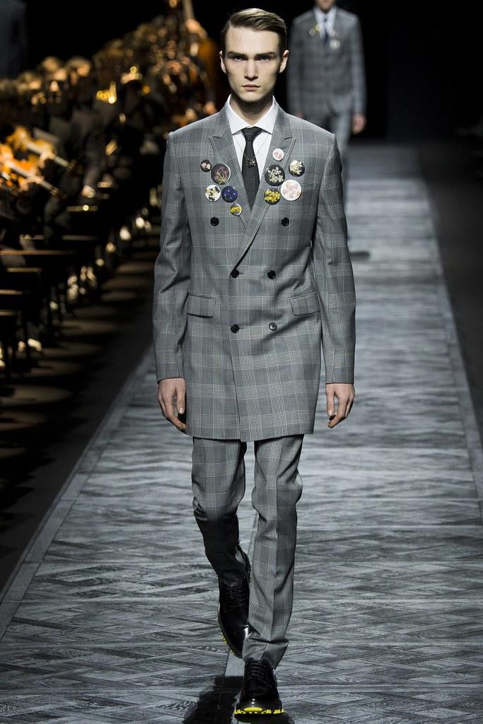 FW15 Paris Dior Homme045_Gryphon O'Shea (VOGUE)