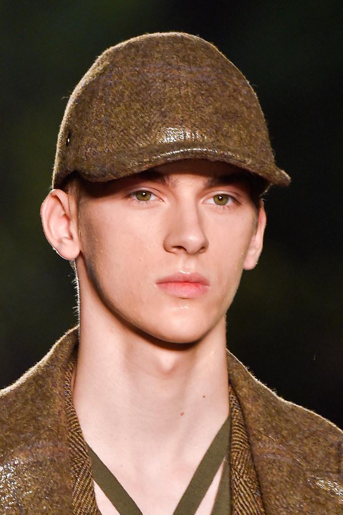 Dominik Sadoch3229_FW15 Milan Ermenegildo Zegna(fashionising.com)