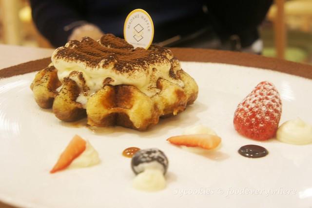 5.Madame Waffle's Salted Egg Yolk Waffle