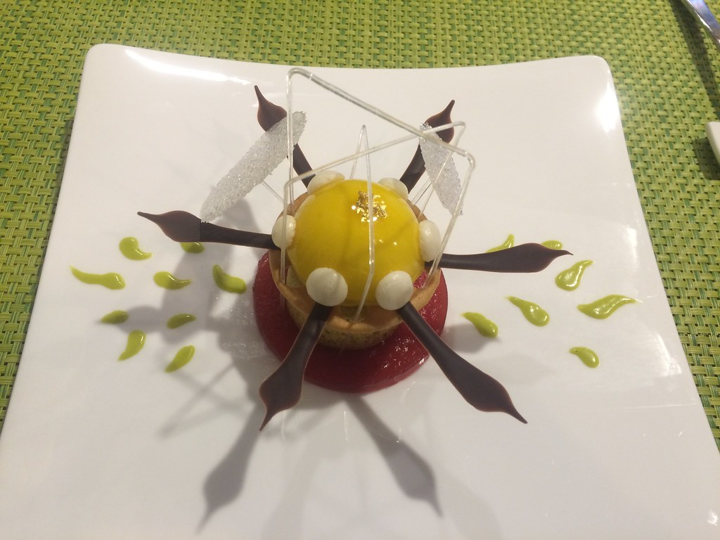 the plate dessert