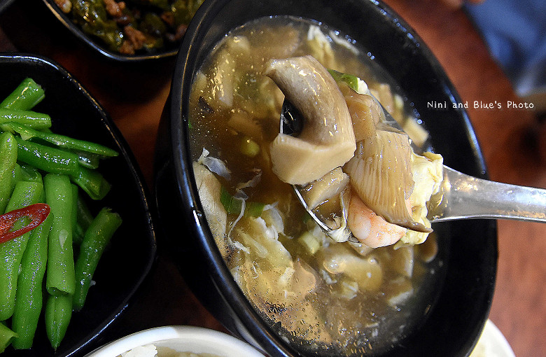 台中美食平價小吃北平路麵食館利居12
