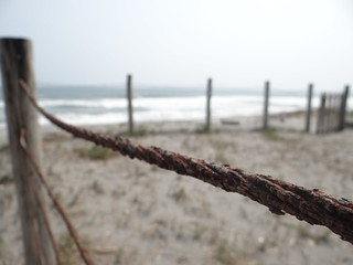 Kuva Playa zunganera. beach rusty playa cable corroded oxidado corroido ccby