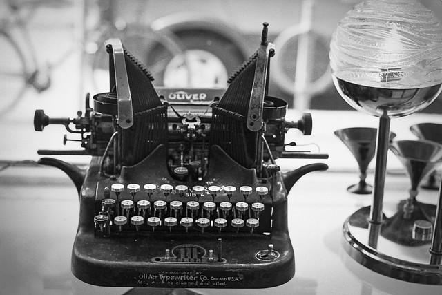 Oliver # 5 Typewriter cir. 1910, Nikon FM2n