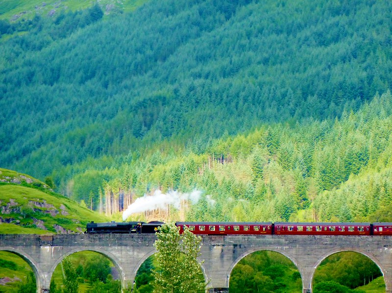 Jacobite Express at Glenfinnan Viaduct, Scotland