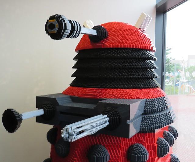 life size lego dalek - photo #17