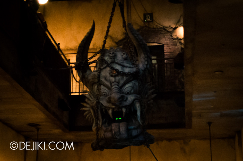 Tokyo DisneySea - Tower of Terror / The secret storage chamber 6 / hanging statue