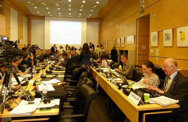 Der sehr volle Sitzungssaal
