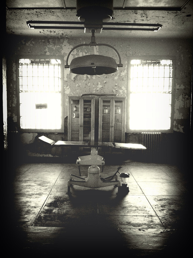 Abandoned hospital in California  | Nida Zada | Flickr