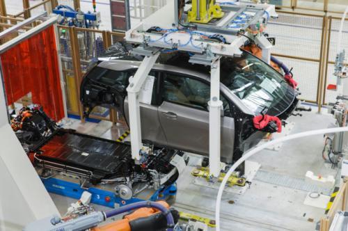Сборка электромобилей BMW i3 началась в Лейпциге