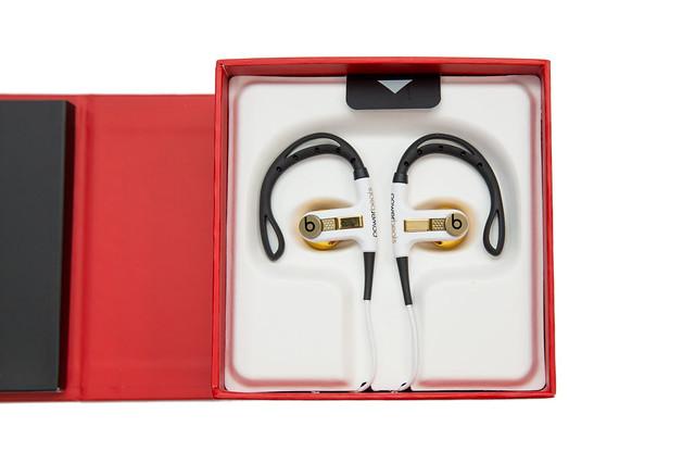 [開箱] Power Beats 運動款耳掛耳機 – LeBron James 限量款 @3C 達人廖阿輝