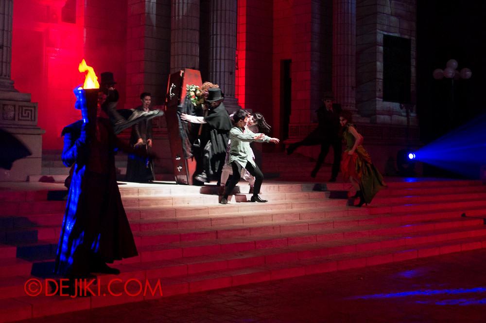 HHN3 - Attack of the Vampires - Birth of a Vampire