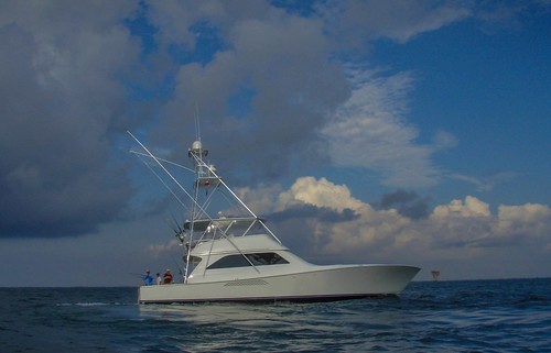 Bertram 630 - 60ft @ 2.5 million - Bottom fishing for Gulf of Mexico Red Snapper