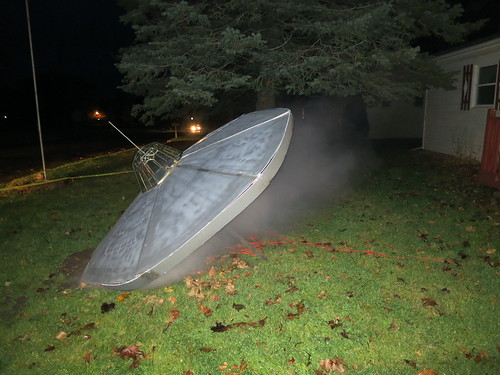 Halloween Yard Display: Alien Spaceship Crash - Dustin Westaby