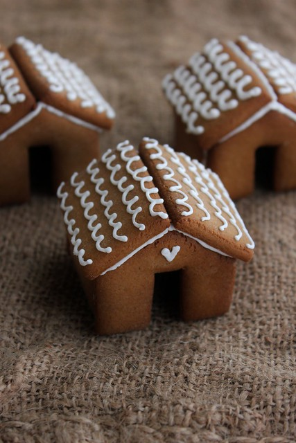 Mini Gingerbread Houses for your Mug