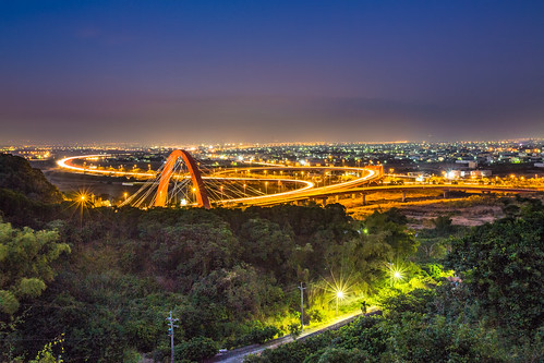 longexposure bridge urban color night canon lights cityscape cloudy taiwan nopeople clear 南投 freeway bluehour 台灣 夜景 tone nantou 1635mm 斜張橋 草屯 freewaybridge lighttracks bridgeatnight 長曝 canoneos5dmarkiii 貓羅溪 canon5dmarkiii freewaylighttracks 中興系統交流道 gettytaiwan13q3 gettytaiwan13q4 省76號線