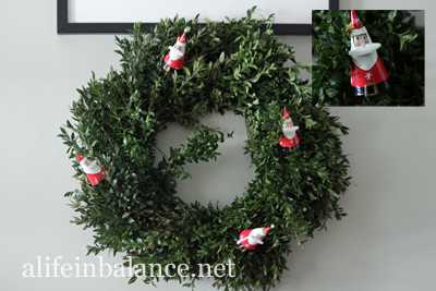 Christmas 2013 House Tour: Boxwood Wreath