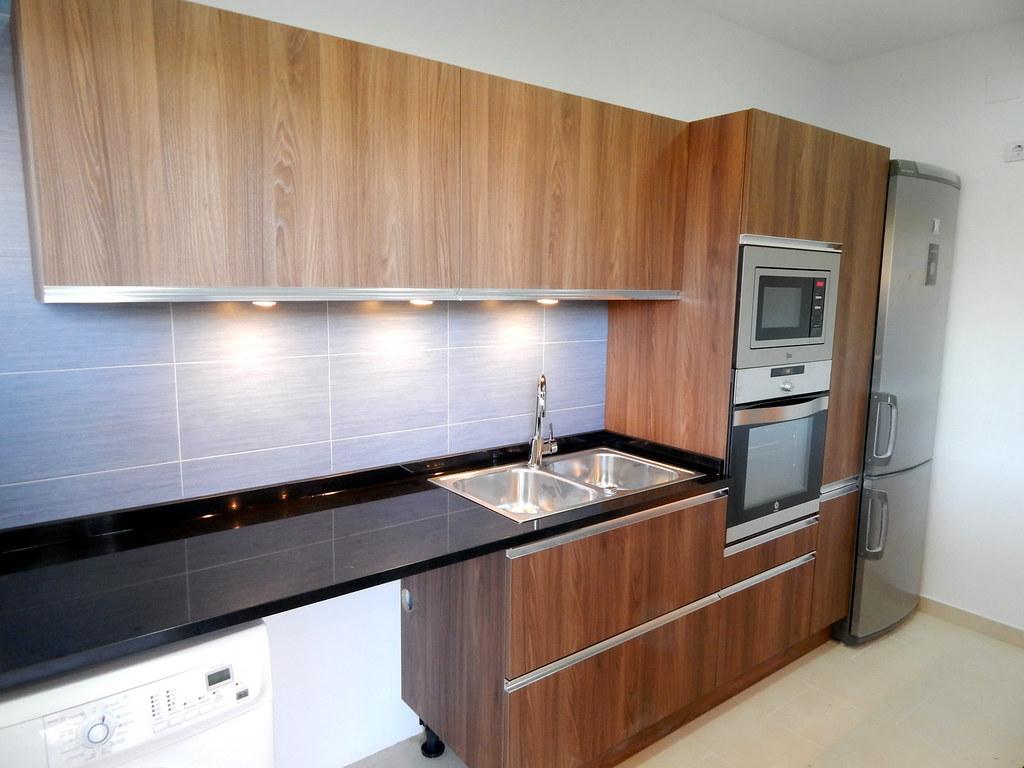 Muebles de cocina en madera for Muebles de cocina xoane