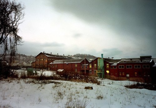 winter urban snow cold industry film analog 2000 industrial pittsburgh factory dusk scanned 6x9 industriallandscape urbanlandscape rustbelt rankin 2000s swissvale pittsburghpa colornegative fujigsw69iii
