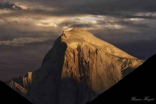 pakistan sunset sky snow golden nikon peak nikkor hunza karimabad 70200 hayat d800 usman gilgit baltistan spantil