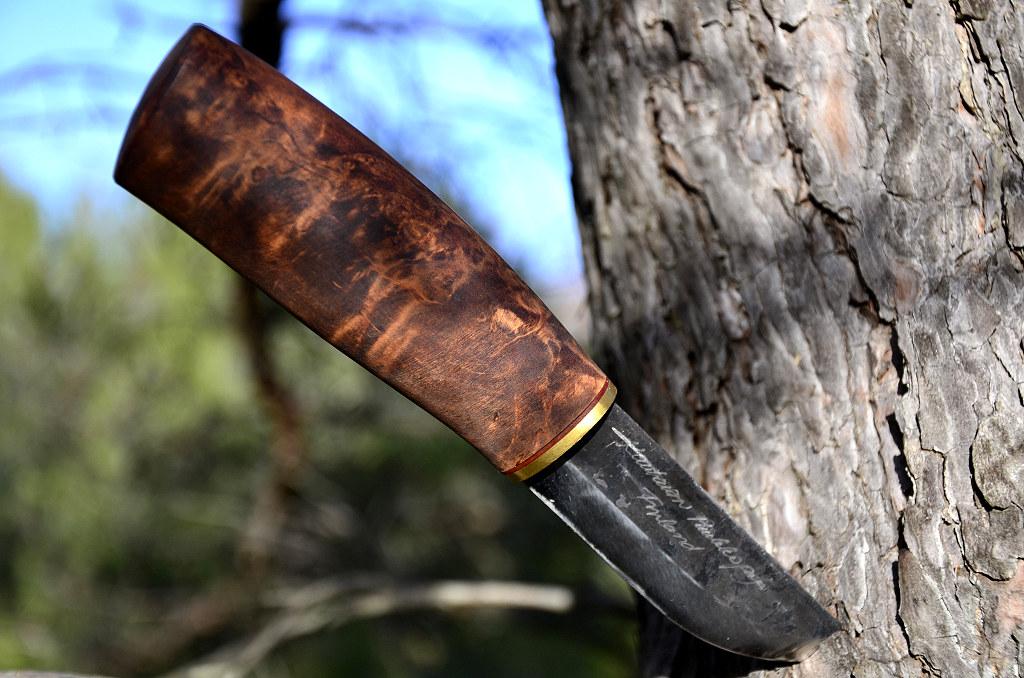 Des traces de couteaux dans les bois 12089991454_76855bc023_b