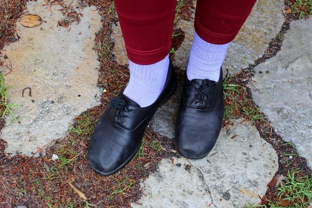 burgundy leggings, lavender socks, black shoes