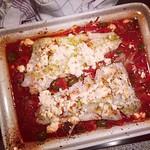 dorsch auf tomaten, paprika, oliven und feta