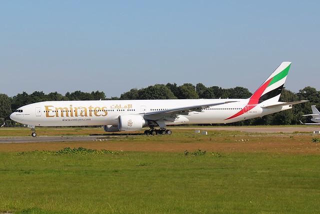 Emirates - B773 - A6-EGV (3)