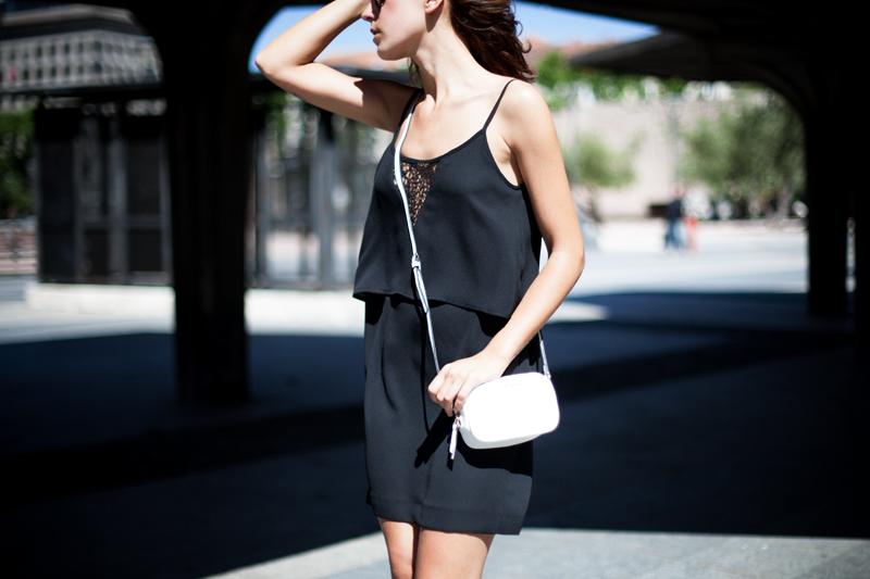 Vestido-Mango-Negro-Lencero-005