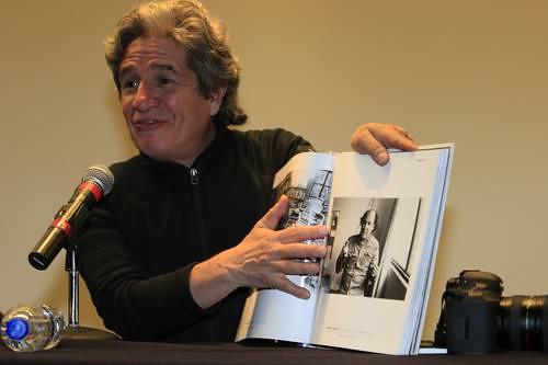 Rogelio Cuéllar, en el Centro Cultural Bella Época, durante la presentación de su libro coeditado por La Cabra-Conaculta Foto Luis Humberto González