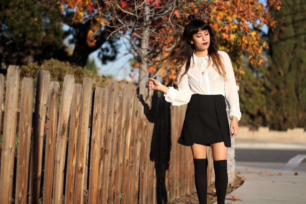 Nasty Gal peter pan collar blouse, Zara skirt, black knit thigh highs, vintage Asian clutch