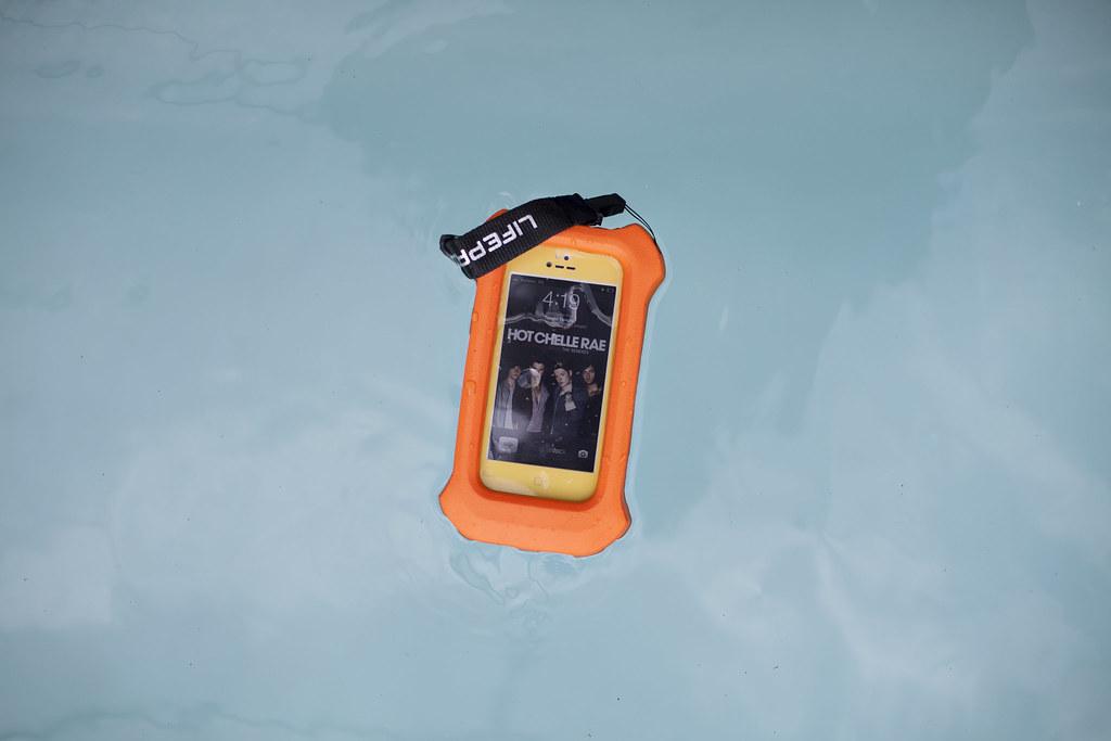lifeproof float 3