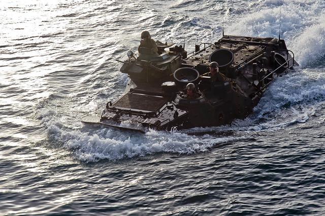Marines Conduct Amphibious Assault Training Flickr