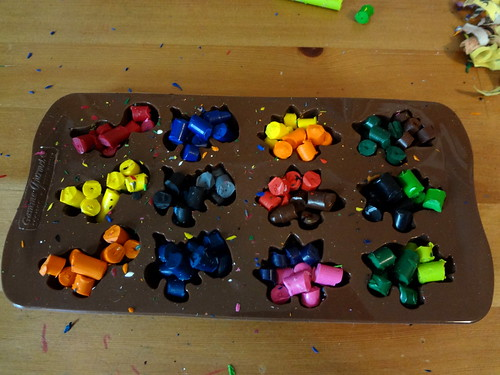 Dino Crayons 3