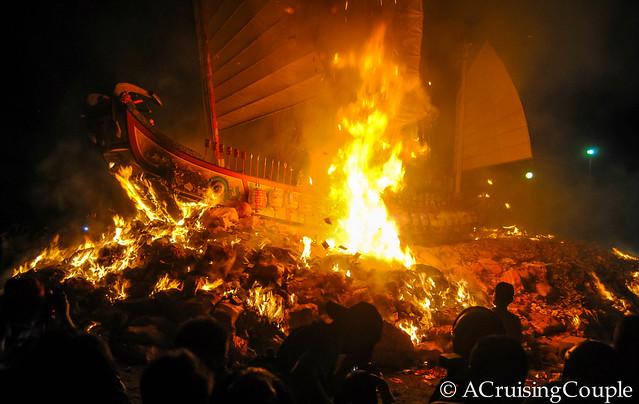 Boat Burning Festival Taiwan Boat Burning begins
