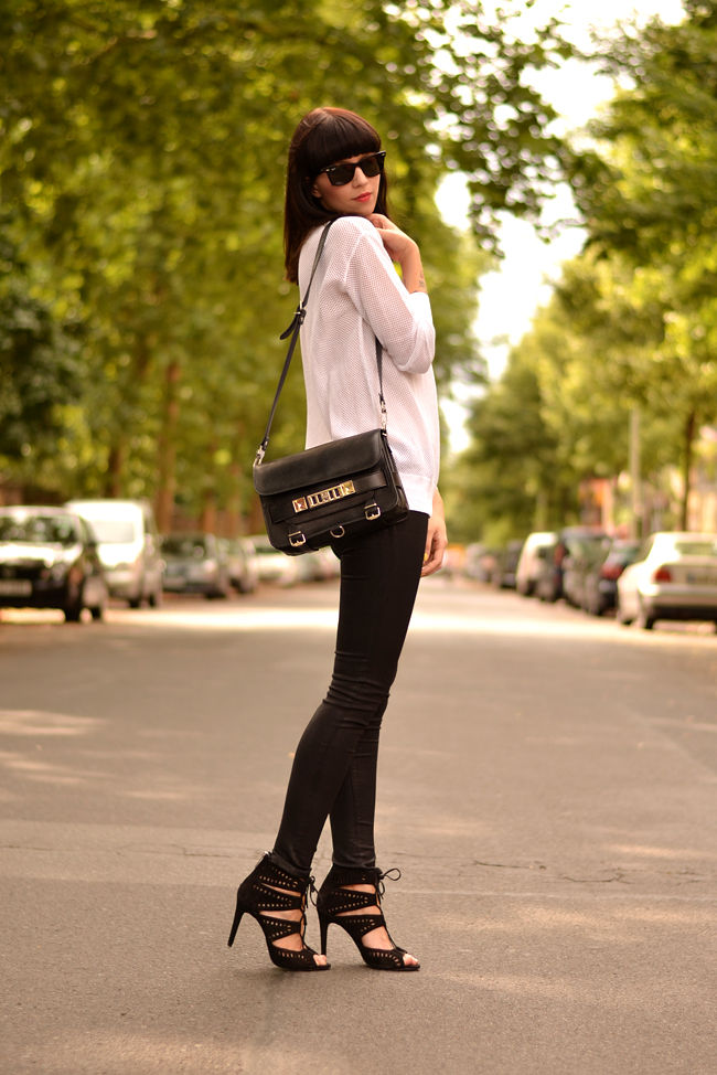 Black White Outfit J Brand Sojeans Sporty Look 9