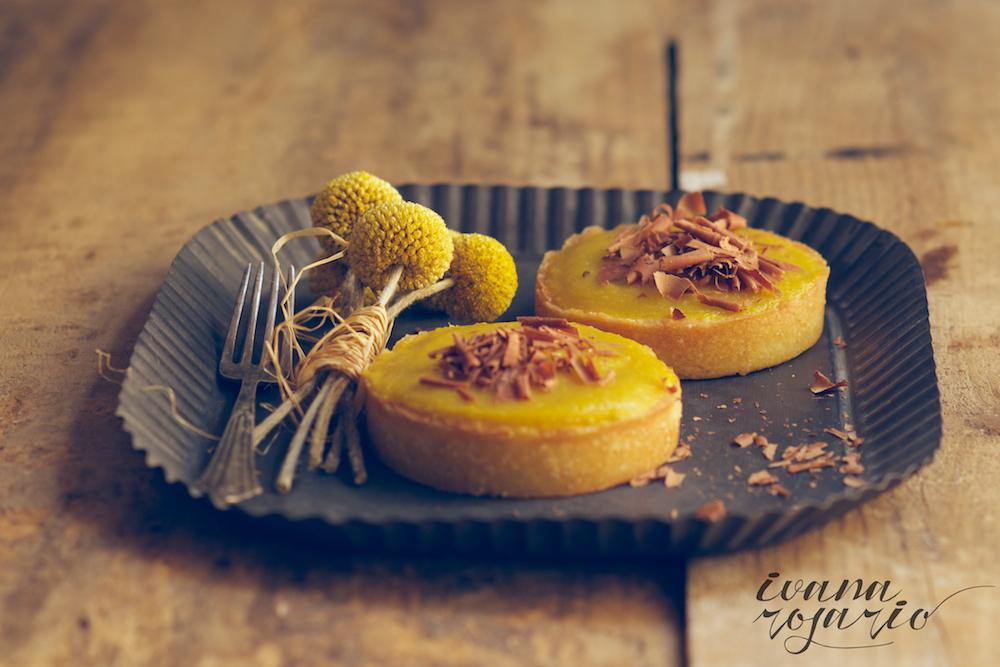 tartaletas de almendra y mango · mango and almond tart