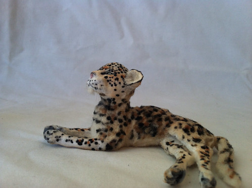 1:12 scale Leopard by woolytales.com