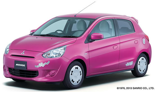 hello-kitty-mirage-car-1